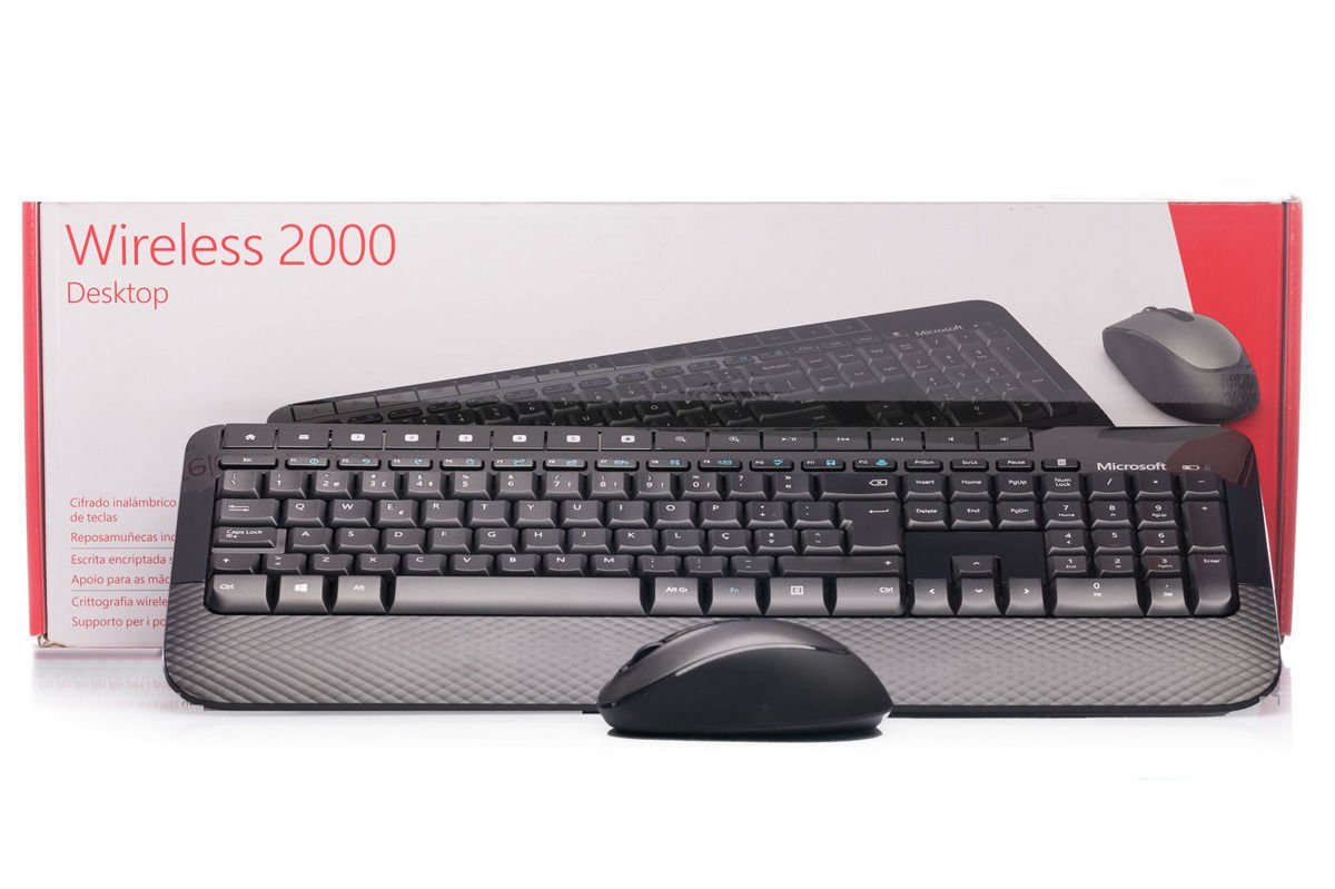 Keyboard and Mouse Set Microsoft Wireless 2000 Desktop (Portuguese) M7J-00007