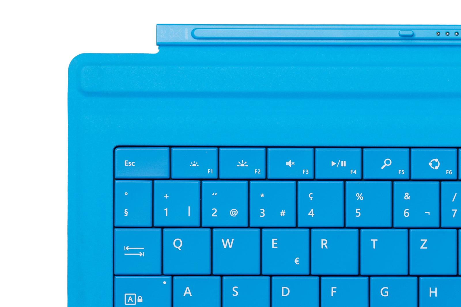 Keyboard Microsoft Surface Type Cover Pro 3 Cyan QWERTZ (Swiss) Grade A